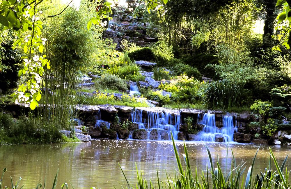 Parc floral apremont sur allier for Apremont sur allier jardin